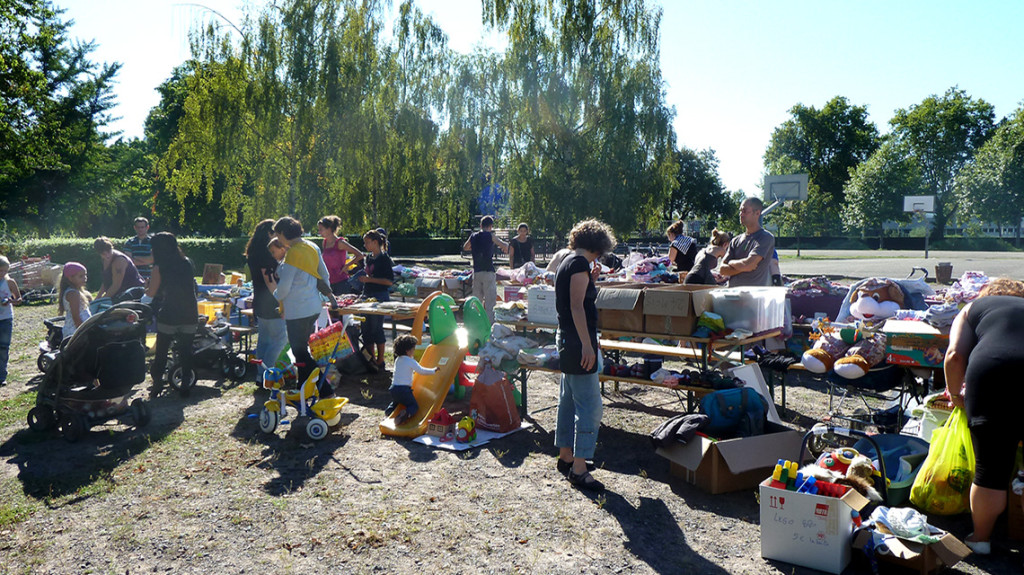 Familles_brocante_puericulture