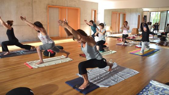 yoga-une